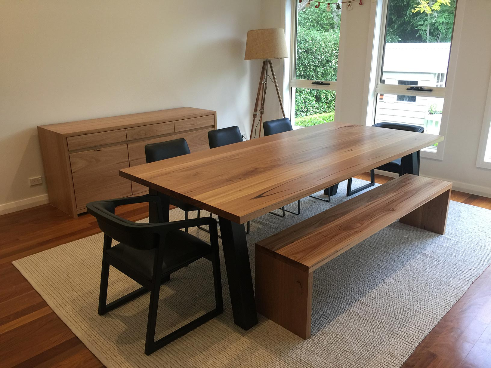 The 3 Most Important Things To Consider To Choose A Contemporary Dining Table For Your Home